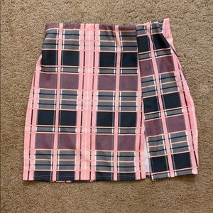 NWT pink mini skirt with cut on side size S